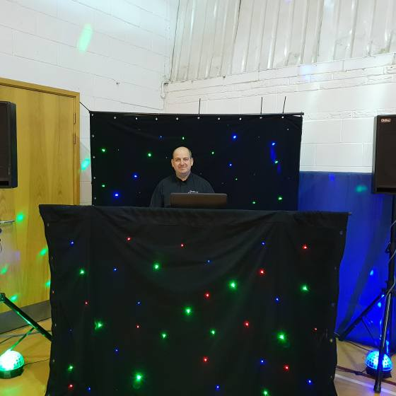 ritchie lee dj ready to start the party